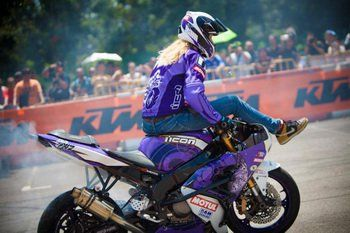 Leah Stunts Asia Tour by Motul